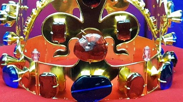 0ba6ea3a2 V Lednici vystavují repliky korunovačních klenotů, vypadají jako ...