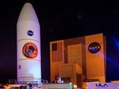 Nákladovı prostor rakety Falcon IV Heavy s Parkerovou sluneční sondou (a také...