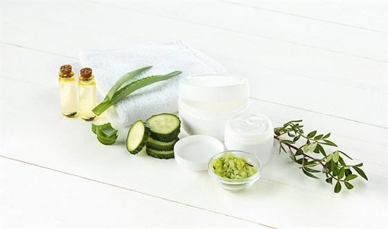 Samotná vıroba kosmetiky, zejména té pečující, je složitı laboratorní až...