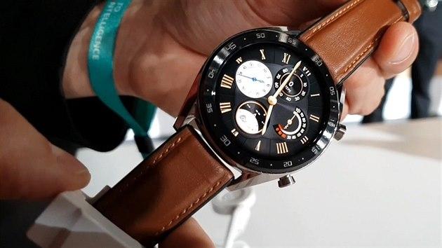 Xiaomi drtí Apple  V chytrých hodinkách a náramcích je
