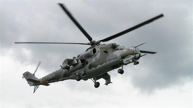 Vrtulník Mi-24 z armádní základny v Náměšti nad Oslavou
