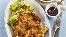 Vídeňský řízek s bramborovým salátem