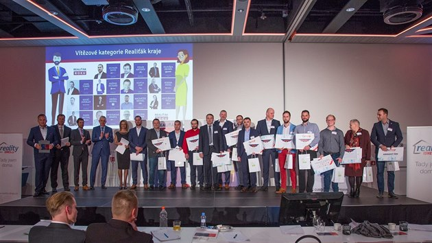 Vítězové kategorie Realiťák kraje a členové odborné poroty.