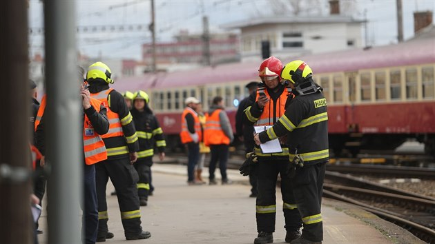 Na brněnském hlavním nádraží se srazily dva osobní vlaky. 21 lidí utrpělo lehká a středně těžká zranění. (5.3.2019)