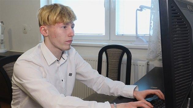 VIDEO  Petr strávil svůj život v dětském domově. Jarmark mu pomůže ulehčit  mu cestu do běžného života e56dcda1be
