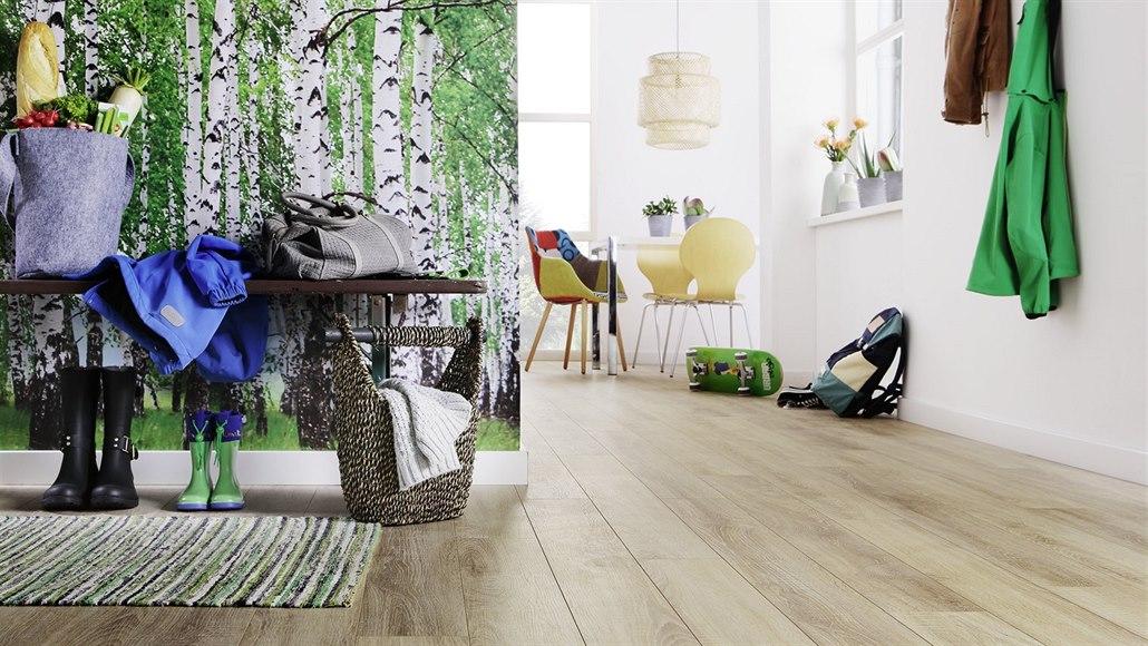 Laminátové podlahy mohou díky speciálně úpravě už i do koupelny
