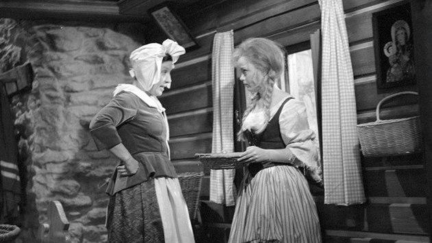 Dana Medřická a Eva Hrušková v pohádce Popelka (1969)