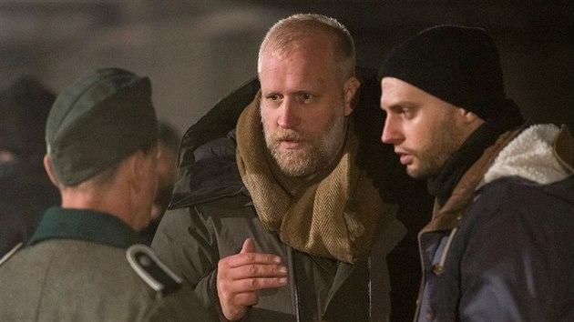 Režisér Peter Bebjak při natáčení filmu Zpráva