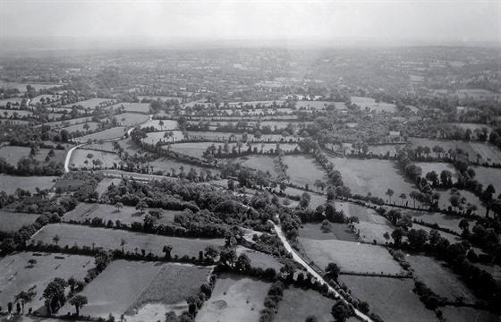 Normandie protkaná živımi ploty byla pro spojenecké tanky nehostinnım...