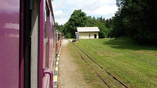 Úzkokolejná trať 229 z Jindřichova Hradce do Nové Bystřice, zastávka Albeř