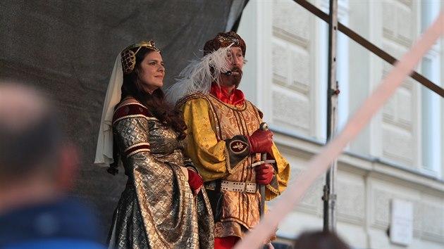 Ústřední postavou byl tradičně král Jan Lucemburskı, kterı do Znojma v roce 1327 přijel zapít zdařilé státnické jednání ve Vratislavi.
