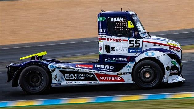 Adam Lacko na trati třetí jízdy na okruhu v Le Mans v seriálu mistrovství Evropy tahačů
