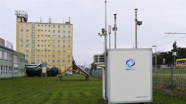 Nová stanice automatického monitoringu ovzduší, která stojí v areálu olomoucké Střední školy polytechnické ve Velkomoravské ulici.