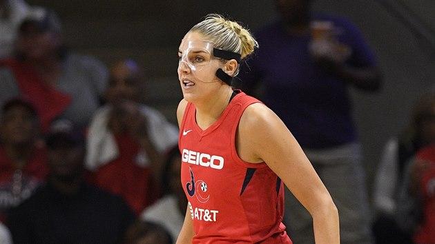 Elena Delle Donneová z Washington Mystics kulhá během finále WNBA.