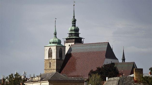 Po skončené opravě střechy sv. Jakuba si lidé budou moci od jara prohlédnout středověkı krov i zevnitř. Nepřístupnı zatím zůstane vyhlídkovı ochoz věže.