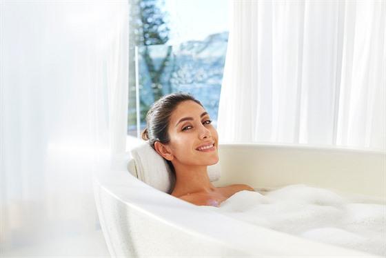 Horká lázeň je příjemnım relaxačním prostředkem. Ovšem pozor na teplotu vody,...