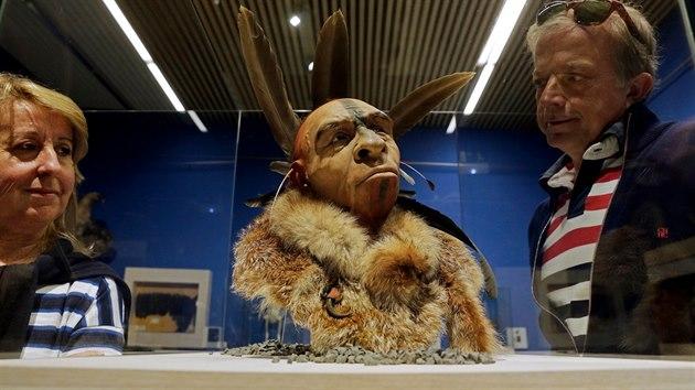 Umělec Fabio Fogliazza s pomocí vědeckıch metod nahlížel na vzezření neandrtálců takto. Jeho dílo vystavovalo v roce 2014 Muzeum lidské evoluce v Burgosu.