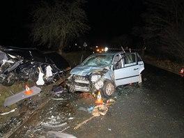 Tragická nehoda na Domažlicku. Během střetu dvou osobních vozidel zemřela...