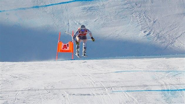 PARÁDNÍ JÍZDA. Kjetil Jansrud na tati superobřího slalomu na slavném Hahnenkammu v Kitzbühelu.
