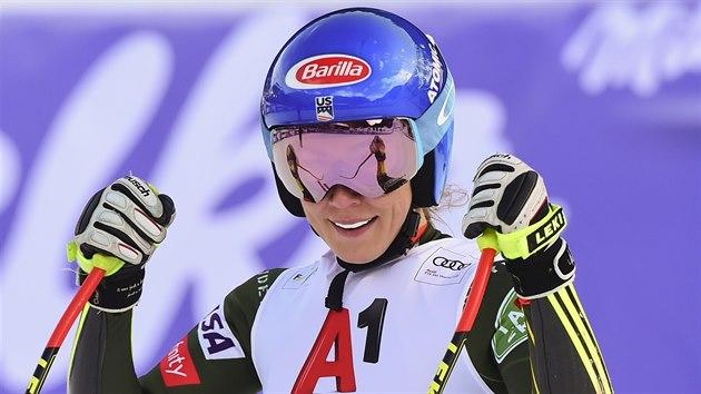 Mikaela Shiffrinová v cíli superobřího slalomu v Bansku.