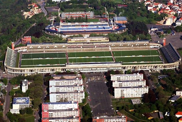 Letecký pohled na Velký strahovský stadion