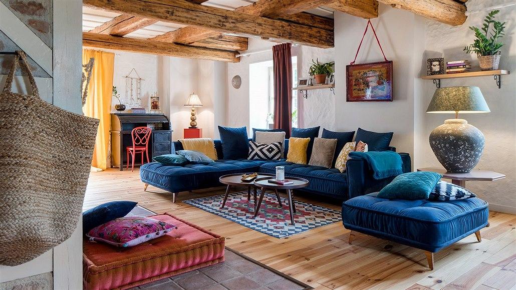 Starý dům si designérka zařídila v boho stylu. V něm je povoleno vše