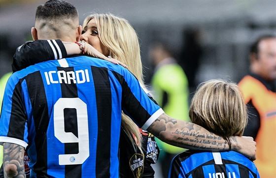 Mauro Icardi a jeho žena Wanda Nara v době, kdy argentinskı útočník působil v...