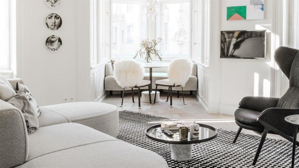 Do bytu v secesním domě se po rekonstrukci vrátil styl i noblesa