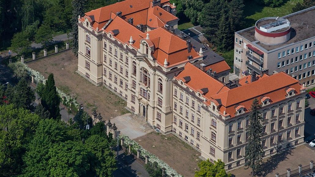 Rudolfinum v Hradci přežilo zestátnění i vojáky. Nejhorší byl rok 2004
