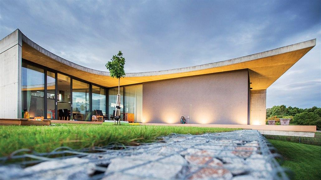Když se dům navrhne navzdory úřadům i sousedům, může dopadnout dobře