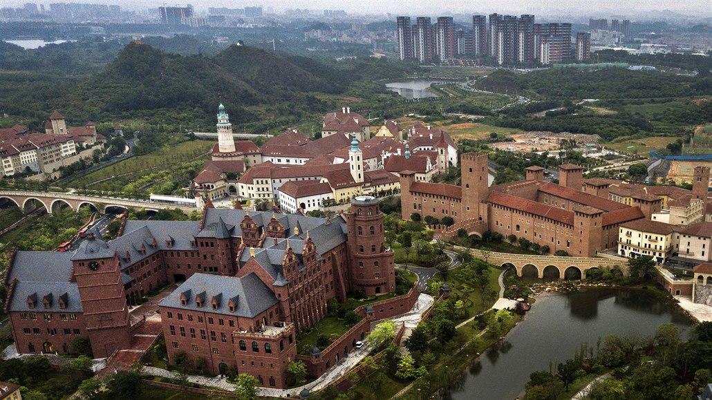Čínská vláda zahájila tažení proti napodobeninám budov z ciziny