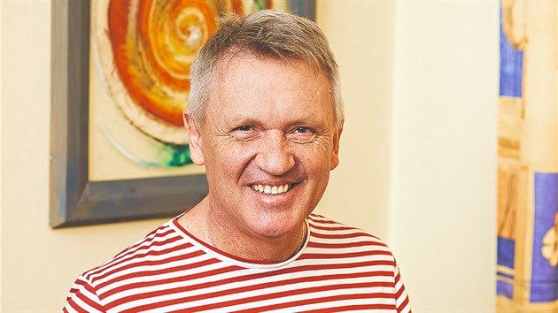 Zbigniew Czendlik je nadšenı golfista,lyžař a fotbalista.