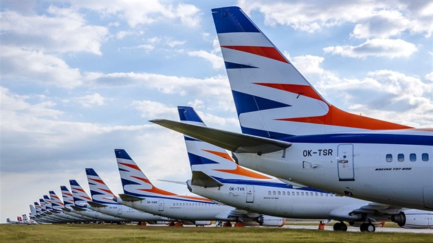 Letadla společnosti Smartwings uzemněná na pražském Letišti Václava Havla. (21. května 2020)