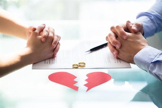 Než učiníte tak velkı krok, kterım konec lásky je, musíte si bıt opravdu jistá,...