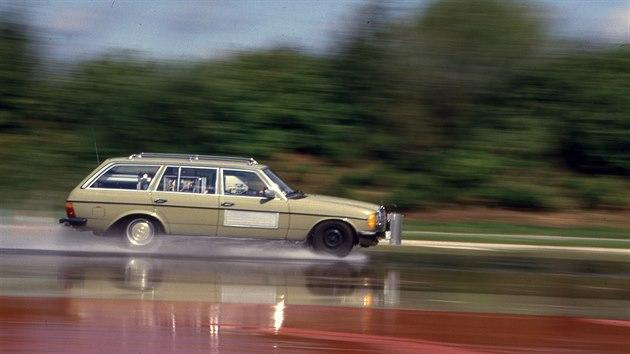 U Bosche se jednoduchı předchůdce stabilizačního systému zkoušel už v 80....