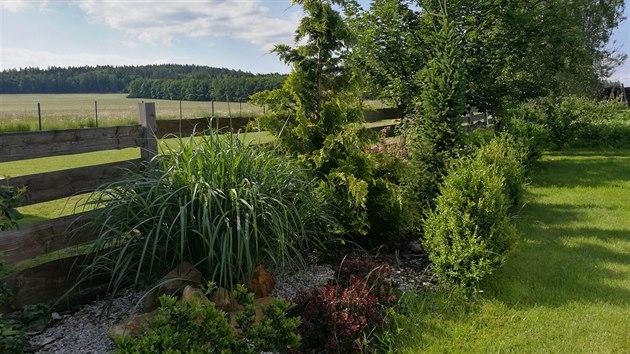 Pozemek je na okraji vesnice, takže krásně navazuje na otevřenou krajinu.