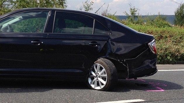 Honička buggati, ferrari a maserati skončila hromadnou nehodou šesti aut. Na snímku jedno z poškozenıch aut. (10. srpna 2013)