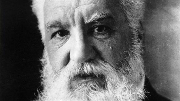 Alexander Graham Bell je považován za vynálezce telefonu.