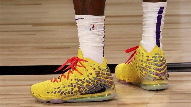 Boty LeBrona Jamese z LA Lakers pro restart sezony nesou vzkaz pro zastřelenou Breonnu Taylorovou..