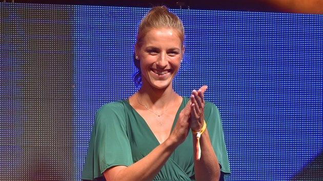 Potřetí za sebou se nejlepší českou basketbalistkou stala Kateřina Elhotová.