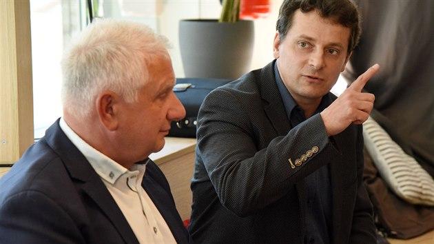 Ředitel Frentech Aerospace Pavel Sobotka a ředitel Space divize BD Sensors Marek Šimčák