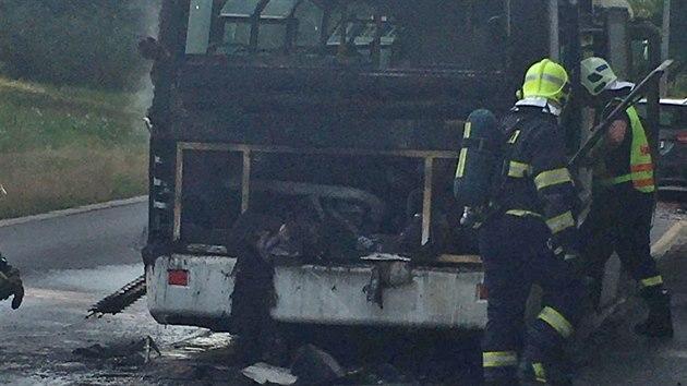 Požár autobusu v Teplicích zlikvidovali hasiči během devíti minut od nahlášení.