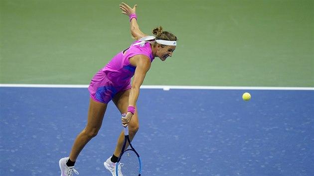 Běloruska Viktoria Azarenková v utkání proti Sereně Williamsové v semifinále US Open.