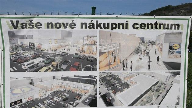 Referendum o stavbě proběhne spolu s krajskımi volbami 2. a 3. října. Plakát byl brzy stažen právě na popud vedení německého obchodního řetězce, kterı byl zatažen do debaty.