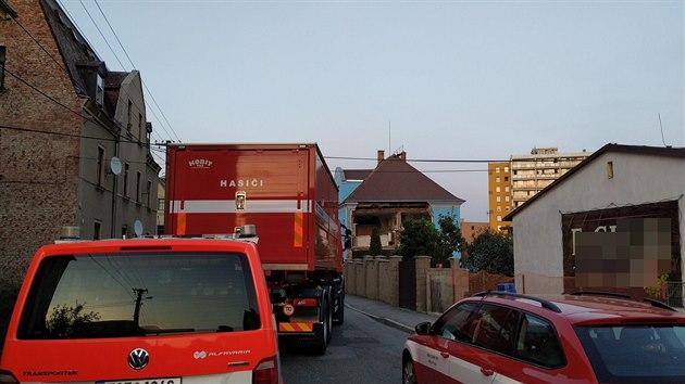 V Liberci na Františku se v pondělí v podvečer zřítila část dvoupodlažního rodinného domu. Nikomu se nic nestalo. (14. září 2020)