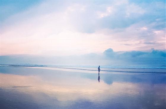 Liduprázdná pláž na ostrově Jáva