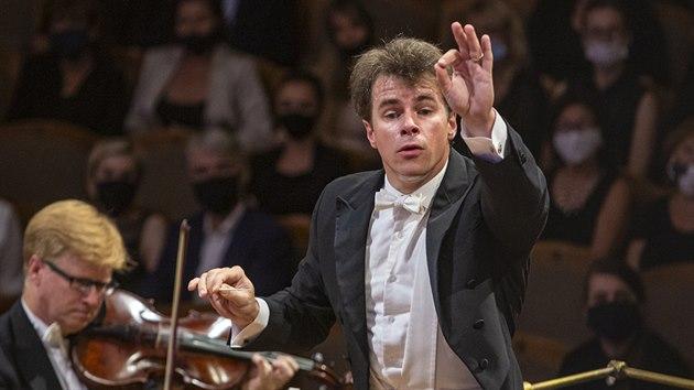 Dirigent Jakub Hrůša provedl s Českou filharmonií na Dvořákově Praze Sukova Asraela.
