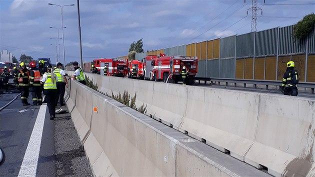 Dálnici D1 u Brna uzavřela tragická nehoda.