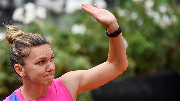 Simona Halepová po vıhře ve finále turnaje v Římě.