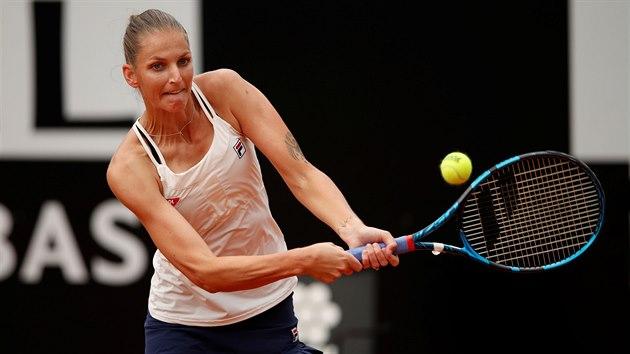 Karolína Plíšková bojuje ve finále turnaje v Římě.